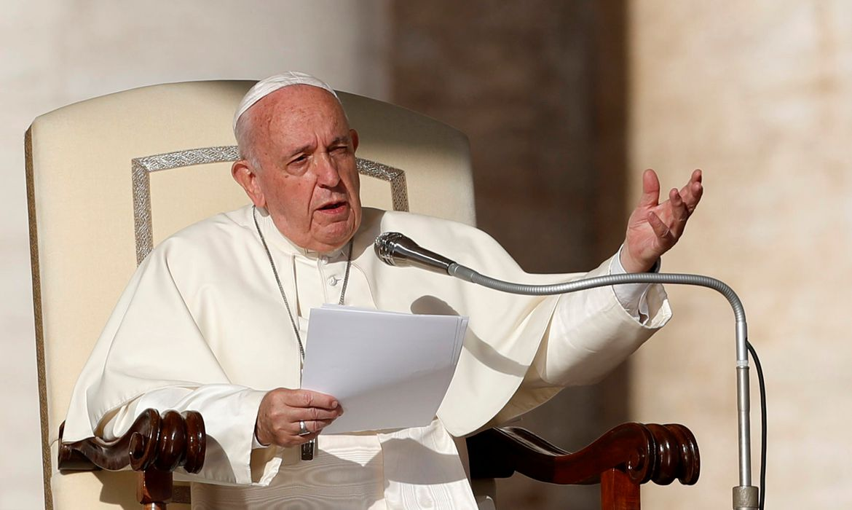 O Papa Francisco participa da audiência geral semanal no Vaticano,