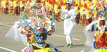 O documentário Raízes do Carnaval de Luanda conta a trajetória dessa festa popular