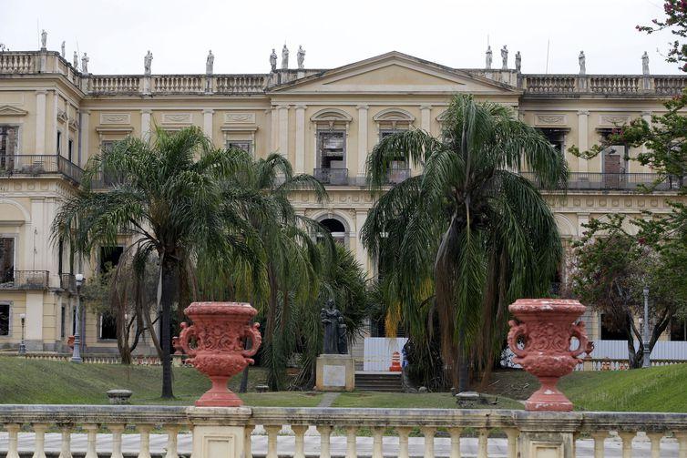 Incêndio no Museu Nacional, na Quinta da Boa Vista, que completa um mês amanhã (2)