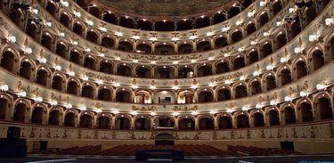 Teatro Comunale, em Ferrara, Itália