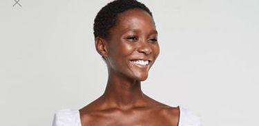 A modelo Mahana Pery