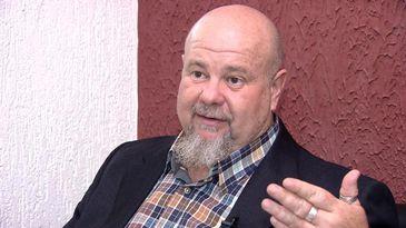 Médico Renato Bertate trouxe a constelação familiar para o Brasil