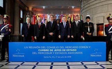 Foto oficial da 54ª Cúpula de Chefes de Estado do Mercosul, em Santa Fé, na Argentina.