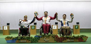 Veronika Vadovicova of Slovakia, Zhang Cuiping of China, Lee Yunri of Korea