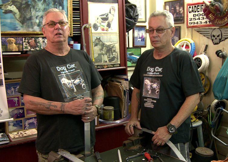 O Programa Especial apresenta trabalho dos irmãos gêmeos William e Richard Frank, fundadores da Dog Car, pioneiros na fabricação de cadeiras de rodas para animais com deficiência