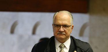 Brasília - Ministro do STF Edson Fachin durante julgamento sobre suspensão da denúncia do ex-PGR Rodrigo Janot contra Temer e integrantes do PMDB (José Cruz/Agência Brasil)