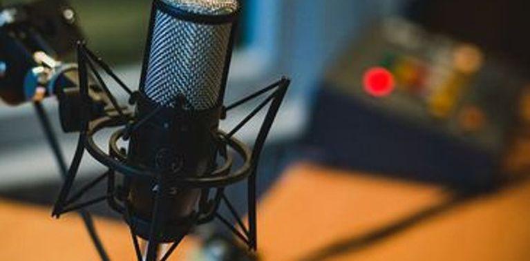 Microfone em estúdio