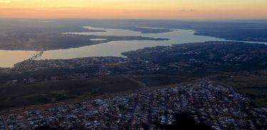 Brasília - Foto aérea do lago Paranoá (Wilson Dias/Agência Brasil)