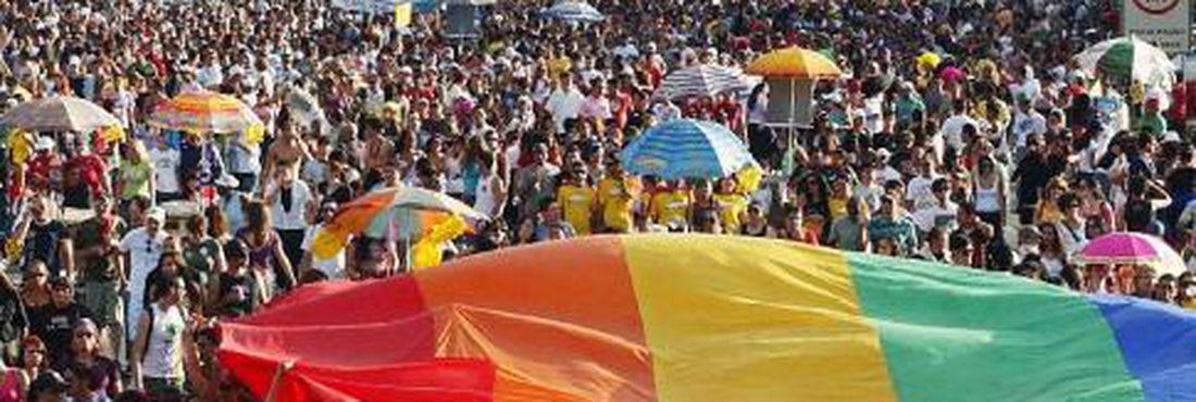 Brasil teve 6.809 denúncias de homofobia em 2011