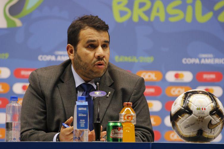 O diretor de competições de seleções da Conmebol, Hugo Figueiredo, durante briefing sobre a cerimônia de encerramento da Copa América Brasil 2019, no estádio Maracanã.