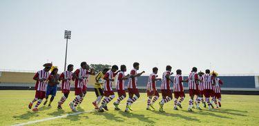 Jogos Mundiais dos Povos Indígenas Palmas - Índios Kayapó entram em campo para partida de futebol contra os índios do Panamá pela primeira rodada dos Jogos Mundiais dos Povos Indígenas