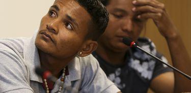 Laércio Akroá-Gamella, liderança do povo Akroá-Gamella, e André Karipuna, liderança do povo Karipuna, durante divulgação do relatório Violência Contra os Povos Indígenas no Brasil – Dados de 2017, na sede da CNBB, em Brasília.