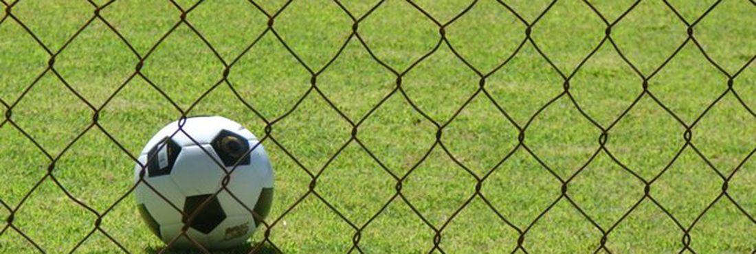 Bola de futebol, gol