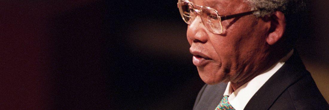 Nelson Mandela defende o fim do Apartheid, em 1993