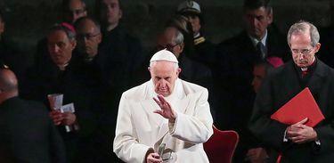Papa Francisco na Via Sacrsa