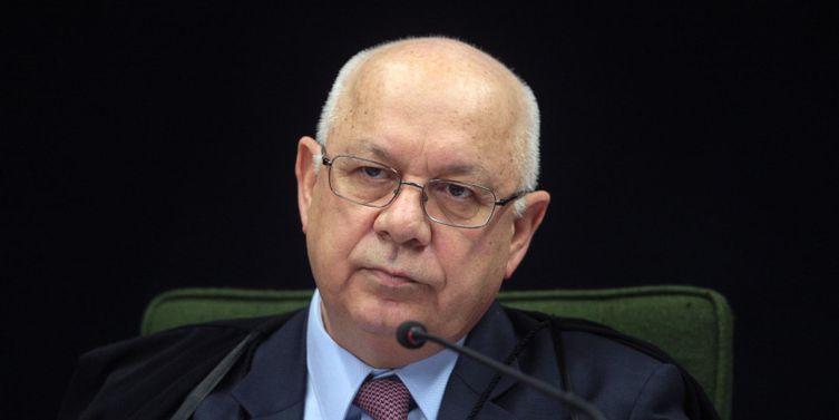 """Ministro do STF, Teori Zavaski, pediu a inclusão do advogado Edson Ribeiro, no lista de """"alerta vermelho"""" da Interpol"""