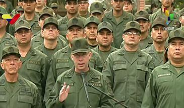 Militares de várias regiões da Venezuela manifestam apoio a Maduro