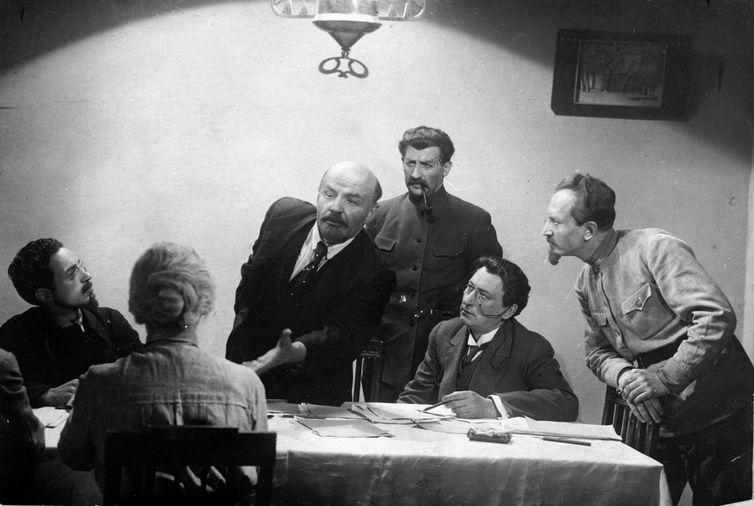 Lênin em Outubro encerra o ciclo de filmes soviéticos