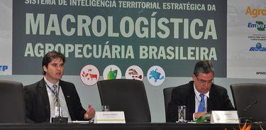 """Segundo Pesquisador """"otimizar os recursos logísticos melhora as condições de transporte, tornando os produtos brasileiros mais competitivos"""""""