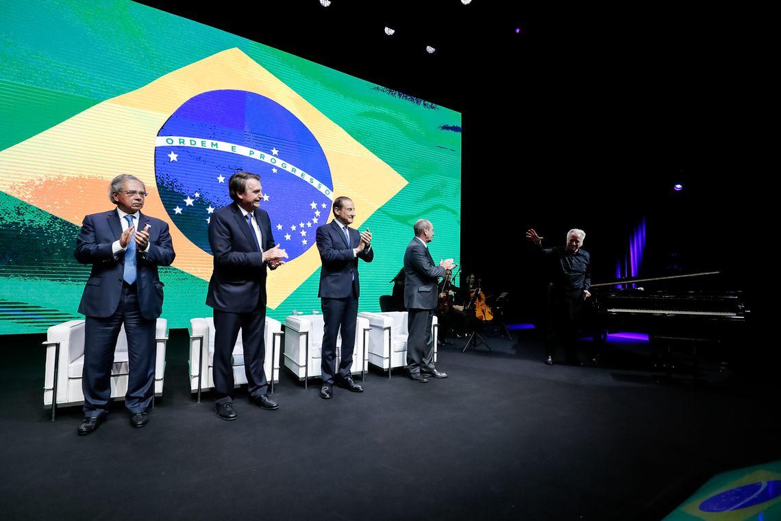 Presidente Jair Bolsonaro durante encontro com lideranças empresariais e cerimônia de entrega da Ordem do Mérito Industrial São Paulo.