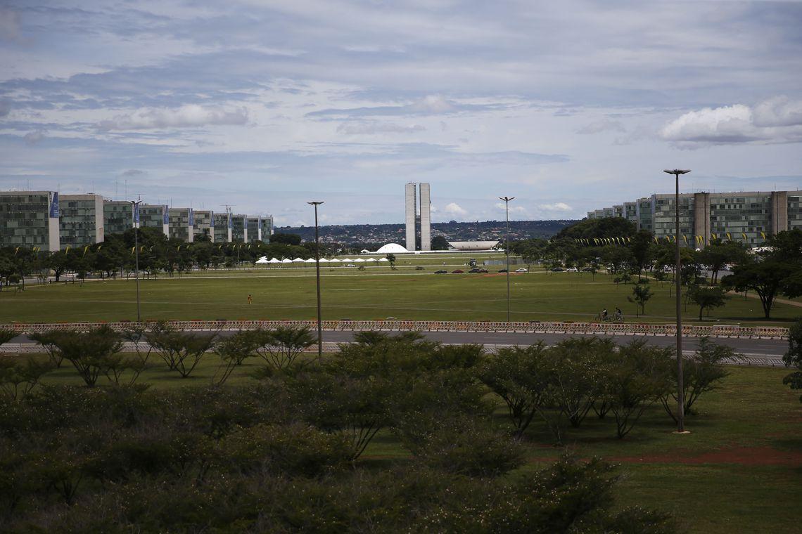 Esplanada dos Ministérios fechada com  grades, para a posse do presidente eleito Jair Bolsonaro.