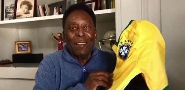 Pelé homenageia João Saldanha