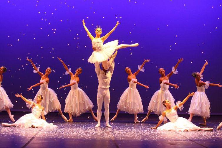 """Espetáculo """"O Quebra-Nozes"""", da Companhia Brasileira de Ballet"""
