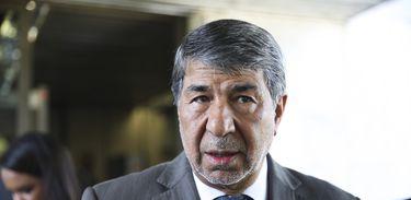 O embaixador da Palestina no Brasil, Ibrahim Alzeben, fala à imprensa, no Palácio do Planalto.