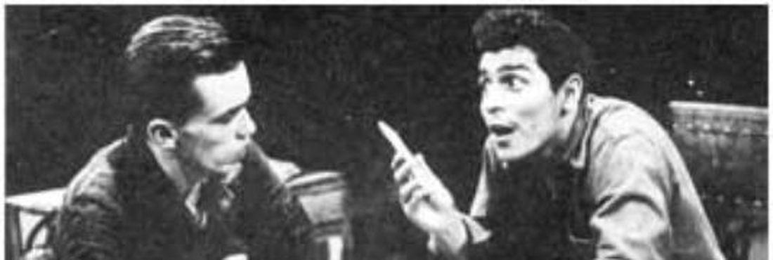 Guarnieri (esquerda) em cena da peça Eles não usam black-tie, produzido no Centro Popular de Cultura (CPC) da UNE.