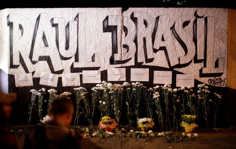 - Homenagens às vítimas do tiroteio na Escola Raul Brasil, em Suzano, São Paulo -  strong Reuters/Ueslei Marcelino/Direitos Reservados /strong