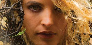 Capa do álbum Tunguele, da cantora Grazie Wirtti