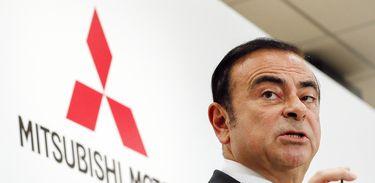 EPA9602. TOKIO (JAPÓN), 19/11/2018.- Foto de archivo del presidente de Nissan Motor, Carlos Ghosn, da una rueda de prensa en Tokio (Japón) el 20 de octubre de 2016. Las autoridades niponas se disponen a arrestar al presidente de Nissan Motor,