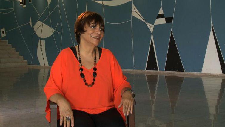 Jornalista e radialista Mara Régia