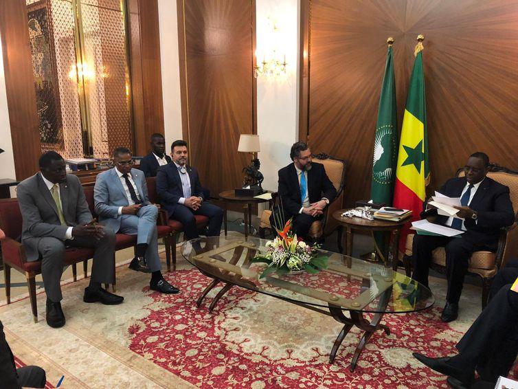 chanceler Ernesto Araújo, durante encontro com o presidente do Senegal, Macky Sall