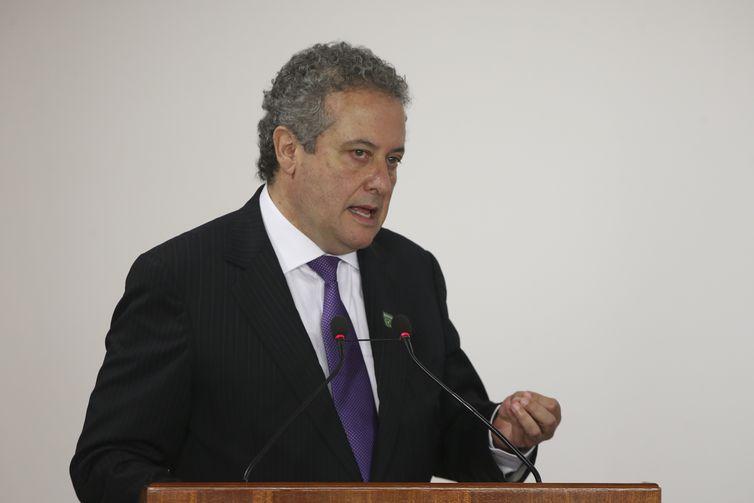 O presidente substituto da Financiadora de Inovação e Pesquisa (Finep), Ronaldo Camargo, durante cerimônia de lançamento do programa Cidades Inovadoras, no Palácio do Planalto.