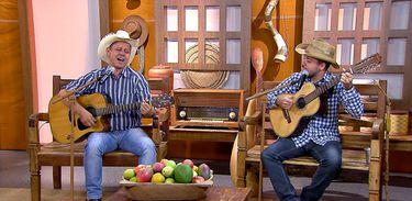 A dupla Anísio Coelho & Rodrigo canta uma boa moda de viola no Brasil Caipira
