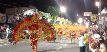 Maracatus brilham em Fortaleza no último dia de desfiles