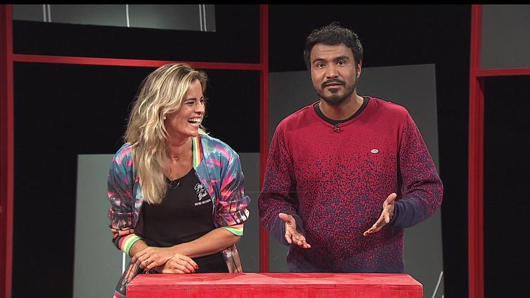 "Mariana Fontes fala sobre seu canal ""Segue o baile"" no Viralizando"