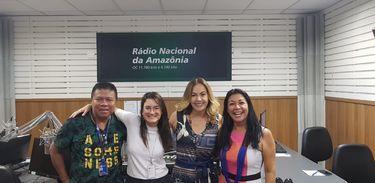 Eliane Sinhasique, secretária do Acre, Lêda Alves, coordenadora do Salão do Artesanato, Juliana Maya ao lado do operador Pipi