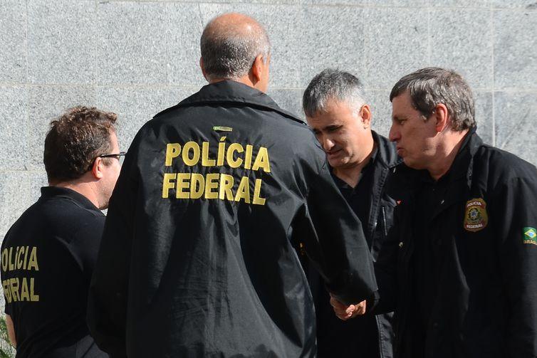 São Paulo - Polícia Federal cumpre mandados de busca e apreensão  e de prisão na Operação Proteína, que investiga comércio irregular de anabolizantes e outras drogas (Rovena Rosa/Agência Brasil)