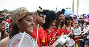 Rio de Janeiro: desfile do bloco Bangalafumenga no Carnaval de 2014