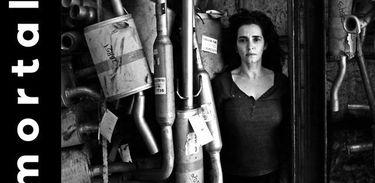 """Gisele Fróes protagoniza monólogo """"O Imortal"""""""