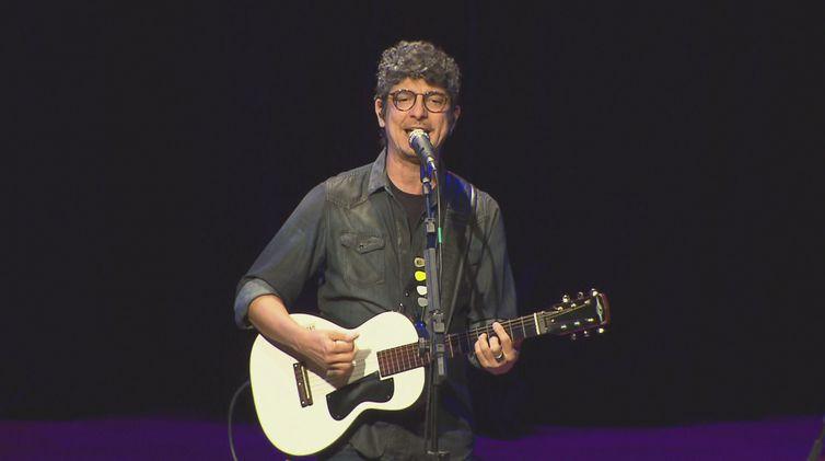 Pedro Luís se apresenta no Espaço Cultural BNDES