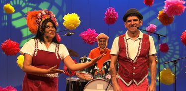 Jujuba Ana Nogueira e Banda Bicho agitam o Música Animada da TV Brasil