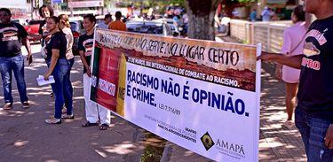 Racismo: Blitz conscientiza motoristas amapaenses sobre discriminação racial