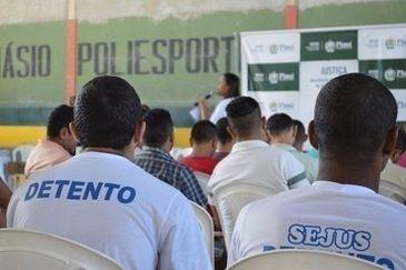 Detentos fazem prova do Enem - Arquivo/Agência Brasil