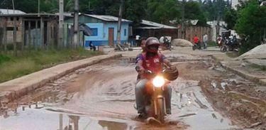Mototaxistas em Tabatinga, no Amazonas