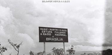 Placa de localização da Rádio Nacional de Brasília