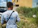 Brasília - O leiturista Welson Silva, um dos 244 funcionários da CEB, alerta os moradores sobre possíveis focos do mosquito Aedes aegypti (Fabio Rodrigues Pozzebom/Agência Brasil)