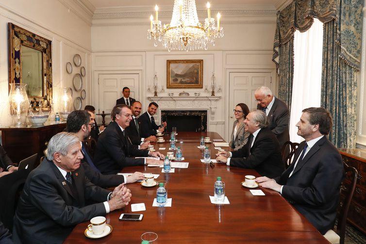 Presidente Jair Bolsonaro durante encontro com o Senhor Luis Almagro, Secretário-Geral da Organização dos Estados Americanos.